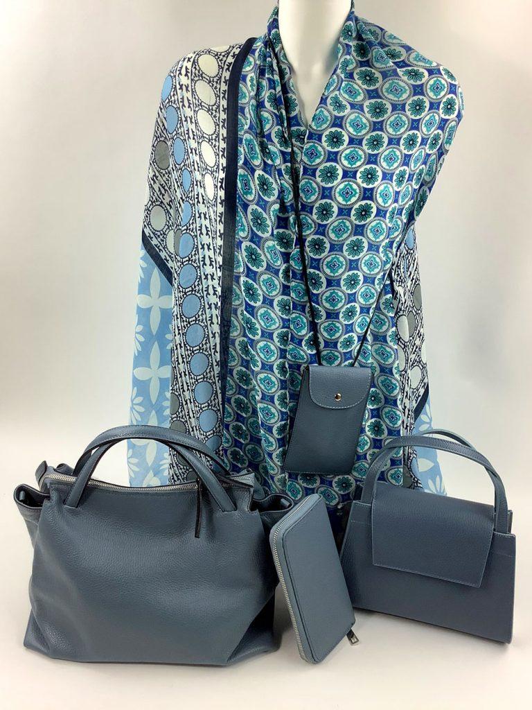 Cashmere & Co - großes Tuch in Blautönen und passende Taschenauswahl von München Süd - Sommerkollektion 2020