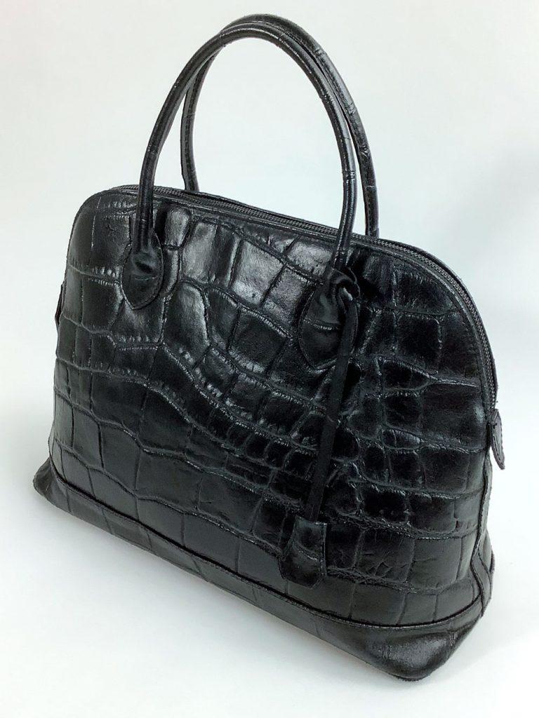Klassische schwarze Handtasche aus geprägtem Glattleder - München Süd Sommerkollektion 2020