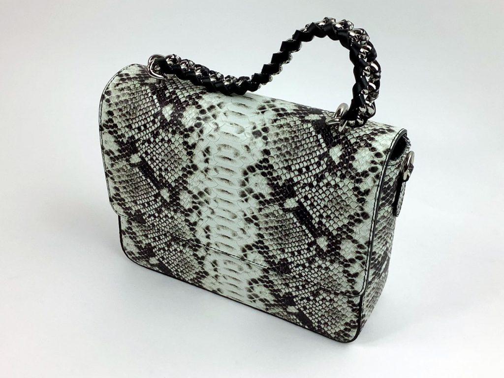 Stilvolle Handtasche aus Echtleder in Schlangenoptik - München Süd Sommerkollektion 2020