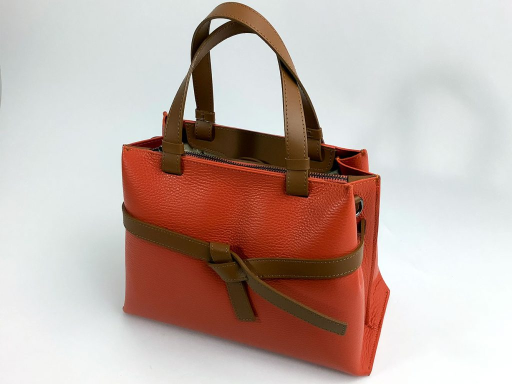 Kleine Leder-Handtasche mit Zierschleife - München Süd Sommerkollektion 2020