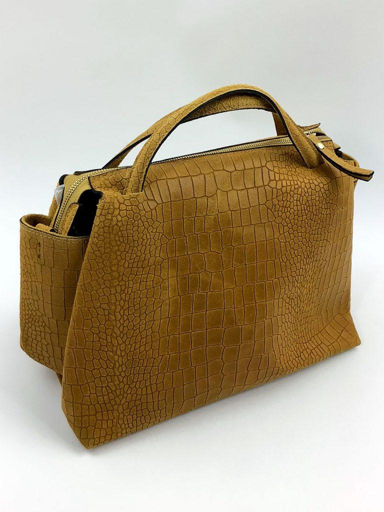 Handtasche aus geprägtem Leder in Camel - München Süd Sommerkollektion 2020